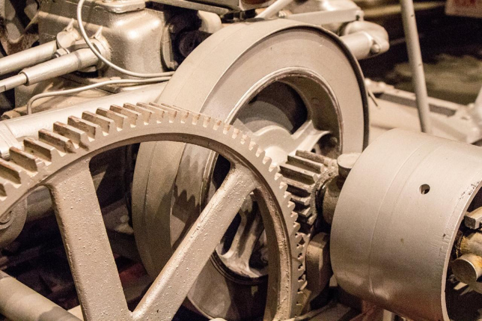 photo of close up of two gears and a camshaft
